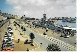35 St Malo  Port Vieilles       Voitures Croiseur Bateau - Saint Malo