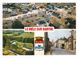 61 Le Mêle Sur Sarthe Vue Générale Aérienne Le Mesnil La Rue Moissonneuse Batteuse Sur La Place Citroën DS 2CV Ami 6 - Le Mêle-sur-Sarthe