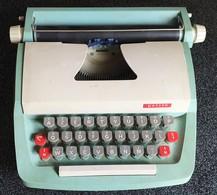 Machine à écrire Vintage Playcraft « Petite » Junior De Luxe Typewriter 1960's  / Angleterre - Jouets Anciens