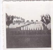 PHOTO ORIGINALE 39 / 45 WW2 WEHRMACHT FRANCE BAYEUX VUE SUR LE CIMETIÈRE MILITAIRE - Krieg, Militär