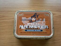 Old Tin Box Pipe Tobacco Royal Niemeyer Danish Blend - Cajas Para Tabaco (vacios)