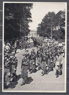 Deutschland Erwacht Sammelwerk Nr. 8: Sammelbild Nr. 75, Gruppe 33, Die Avantguardia Besucht Das Braune Haus In München - Cigarette Cards
