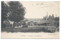 MANOIS ( 52 - Haute Marne ) - Les Forges - Vue Extérieure ( Rue , Place Animée , Personnes ) - TTB Etat - Autres Communes