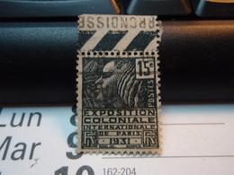 Timbre : EXPOSITION COLONIALE INTERNATIONALE DE PARIS 1931. Avec Bande - France