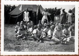 Photo Originale Colonie Tente & Fête Du Métro Sur L'Ile D'Oléron En Août 1948 En Charente-Maritime - Plaatsen