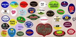 Etiquettes De Fruits °_ Toutes Différentes Sur Papier Siliconé-feuillet N° 66 - Fruits Et Légumes