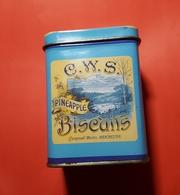 """Boite Metal :"""" Biscuits """"  C.W.S.PINEAPPLE Crumpsall Works,Manchester - Dozen"""