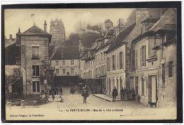02419 .  LA FERTE MILON . RUE DE LA CITE ET MAIRIE . ANNEE  1915 . ANIMATION . HOTEL DU LION D OR - France
