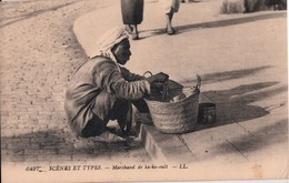 SCENES ET TYPES-MARCHAND DE KA KA OUET - Maroc