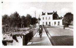 N°3347 T -cpa Loches -la Gare- - Loches