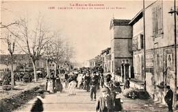 Rare Cpa Fronton Un Coin Du Marché Et Des écoles Très Animée - Altri Comuni
