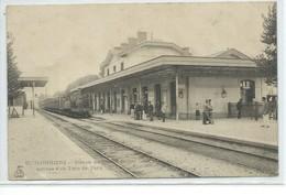 Coulommiers-Station De Chemin De Fer-Arrivée D'un Train De Paris - Coulommiers
