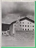 ALPINO, Monumento. Caserma Monte Pasubio.Tofane.  Brunico. Suedtirol. Sudtirolo. Militare Soldato. - Guerra, Militari