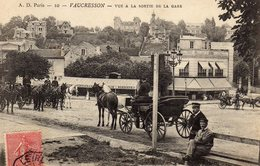 DPT 92 VAUCRESSON Vue à La Sortie De La Gare - Vaucresson