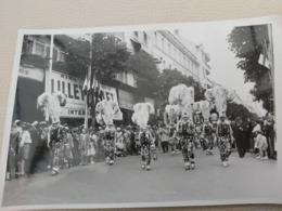 Trés Belle Photo De Gilles  PHOTO MOUGINS  C   RUE ROYALE VICHY  17 CM/11CM - Carnaval