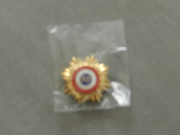 Médaille Ou Décoration  Rf   Adjoint - Francia