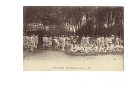 Cpa Militaria - 67 - Strasbourg Hôpital Militaire Gaujot Soldats Le Parc Jeu Croquet Religieuse - Strasbourg