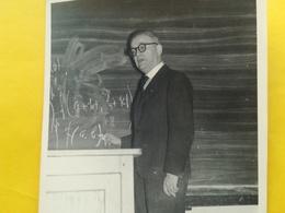 PROFESSEUR  DE BELGIQUE UNIVERSITÉ ? ÉCOLE ? MATH (?)  CARTE - PHOTO  CARTE POSTALE HOMME - Cartes Postales