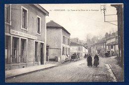 54. Conflans En Jarnisy. La Poste Et La Place De La Fontaine. Panneau Direction Hatrize-Moineville - Autres Communes