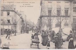 Bv - Cpa LORIENT - Place Saint Louis, Un Jour De Marché Et Rue Du Morbihan - Lorient