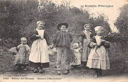Hennebont            56         Groupe D'enfants . Retour Des Champs         (voir Scan) - Hennebont