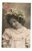 ENFANTS - LITTLE GIRL - MÄDCHEN - Jolie Carte Fantaisie Fillette Fleurs Dans Les Cheveux - Portraits