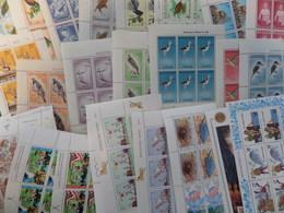 Nouvelle-Zélande Collection De 128 Blocs-feuillets Neufs ** MNH 1958/1990. Bonnes Valeurs. TB. A Saisir! - Blocs-feuillets
