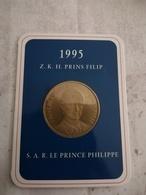 Pièce De Monnaie S.A.R. Le Prince Philippe - Collections