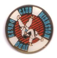 C73 Pin's JUDO KENDO CLUB MOLSHEIM ALSACE Achat Immédiat - Judo