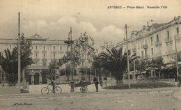 ANTIBES La Place Macé Nouvelle Ville.  Francia. France. - Antibes
