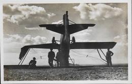 CPA. Carte-Photo - Aviation > Entre Guerres > ISTRES-AVIATION - Les Méfaits Du Mistral - TBE - 1919-1938: Entre Guerres