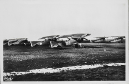 CPA. Carte-Photo > Entre Guerres > ISTRES-AVIATION - Groupe D'Avions - TBE - 1919-1938: Entre Guerres