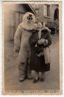 SURREALISMO SURREALISME DONNA CON ORSO - FOTO PARIS PHOTO MONTGENEVRE 1958/59 - Personnes Anonymes