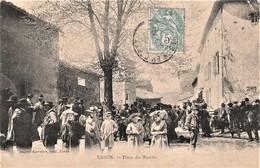 Rare Cpa Usson Place Du Marché Très Animée - Autres Communes