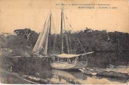 MARTINIQUE - Goelette à Quai ( Bon Plan )  - CPA - Bateau à Voile - Antilles Françaises - Caraïbes - Non Classificati