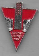 Insigne  Camp De Concentration SACHSENHAUSEN 1961 - Insignes & Rubans
