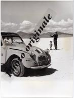 Autos Voitures Photo De Presse - CITROËN 2CV Expédition Alexandre Tour Du Monde 1962-66 Philippe Genty Marionnettiste - Automobile