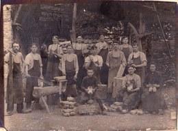 GROTE OUDE FOTO ** HAM ( HAMME ? ) 1916 De Lustige Blokmaakers **  KLOMPENMAKER - SABOTIER - FOTO CLEMENT VAEL Van ZELE - Belgique