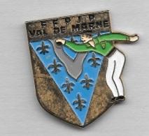 Pin's  Département, Sport  Pétanque  F.F.P.J.P  VAL  DE  MARNE  ( 94 ) - Boule/Pétanque
