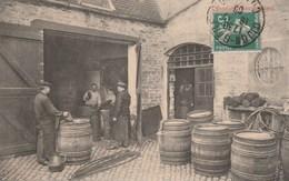 CPA - Les Tonneliers Bourguignons - Préparation De La Futaille - Artisanat