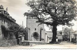 12 / 32   Cpsm   9X14     19   La Roche-canillac     Place De L'église & Le Chene Centenaire - Other Municipalities
