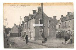 Courseulles-sur-Mer, Calvados - La Rue De La Redoute - Old France Postcard - Courseulles-sur-Mer