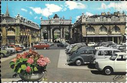 Cpa 54 Nancy , L'arc De Triomphe , Voitures Anciennes 4 Cv 2cv R8 403 Etc  , Non écrite - Nancy