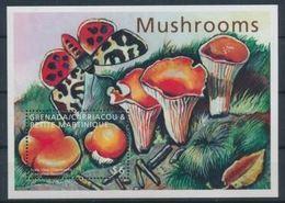 Grenade Carriacou Et Petite Martinique  Mushrooms Champignons Butterfly Papillon  MNH - Champignons