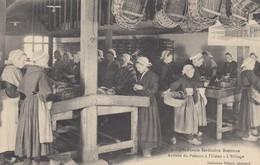 INDUSTRIE SARDINIERE EN BRETAGNE: Arrivée Du Poisson - L'Etêtage - Usine Amieux - France