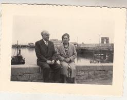 Oostende - Koppel - 1960 - Te Situeren - Foto 7 X 10 Cm - Personnes Anonymes