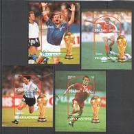 F835 MALDIVES SPORT FOOTBALL FIFA WORLD CUP ITALY 1990 STARS 4BL MNH - 1990 – Italie