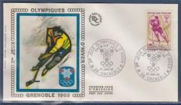 = Jeux Olympiques D'Hiver Enveloppe 1er Jour 38 Grenoble 27.1.68 N°1544 Hockey Sur Glace - Winter 1968: Grenoble