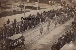 Rare CP Photo : Enterrement Soldat Britannique, Cortège De Joueurs De Cornemuse Suivant Le Corbillard, Nord 1ère GM - Guerre, Militaire