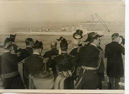 """1958. LOT DE 2 PHOTOGRAPHIES TIRAGE PAPIER ANCIENNES 1930. REVUE NAVALE D'ALGER. """"PROVENCE"""" SOUS-MARIN """"DUQUESNE"""" - Bateaux"""